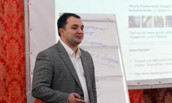 Дамир Халилов: о «фишках» новых социальных медиа и книге о Кавказе