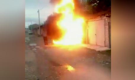 В Черкесске мужчина попал под взрыв, пытаясь спасти гараж