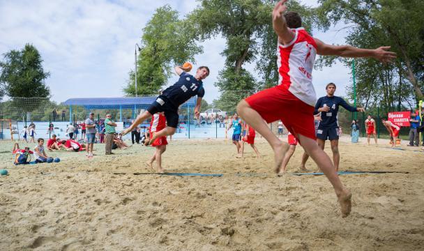 Черкесск вконце августа примет финал Кубка Российской Федерации попляжному гандболу