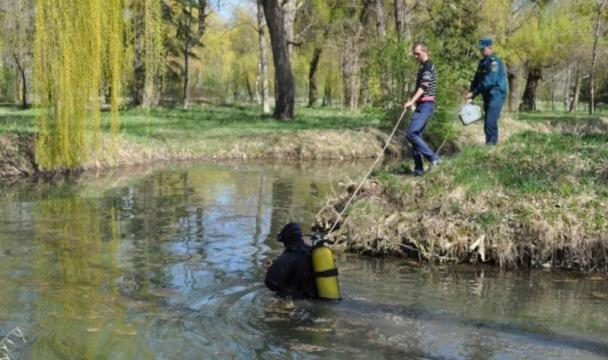 В Карачаево-Черкесии сотрудники МЧС приняли участие в акции «Чистый берег»