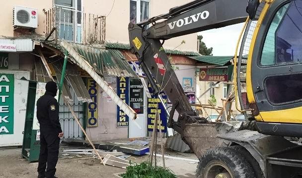 ВДербенте снесли неменее 20 незаконных объектов