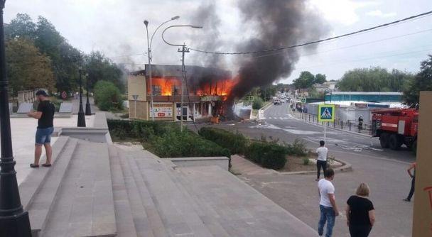Пожар вмагазине фейрверков наСтаврополье спровоцировал салют
