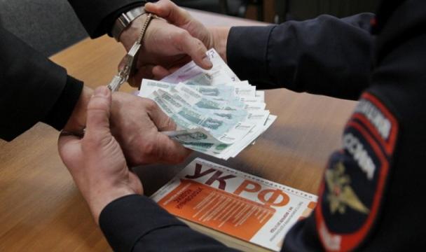 Руководителя горэлектросетей Георгиевска словили навзятке отвладельца кафе