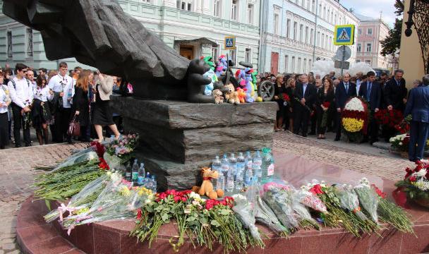 В столицеРФ задержали вандала, осквернившего монумент жертвам Беслана