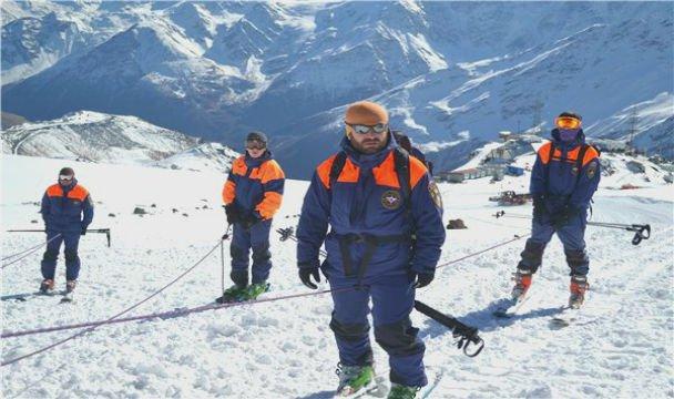 НаЭльбрусе турист запросил помощи спасателей
