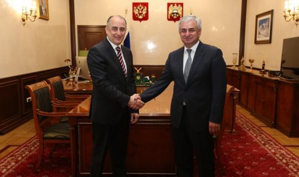Путин поздравил народ Абхазии сДнем Независимости