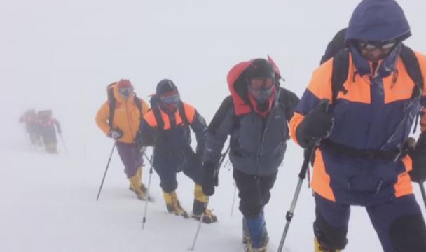 НаЭльбрусе возобновили спасательные работы