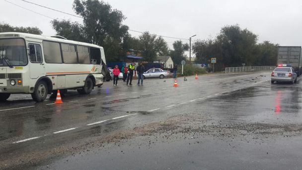 Усела Канглы наКавминводах столкнулись рейсовые автобусы изНальчика