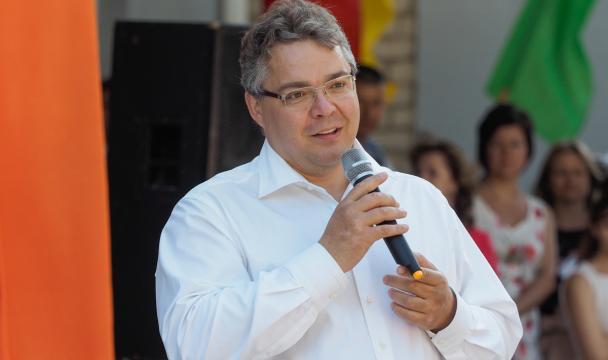 Руководитель Ставрополья Владимир Владимиров посетил линейки вшколах Ставрополья