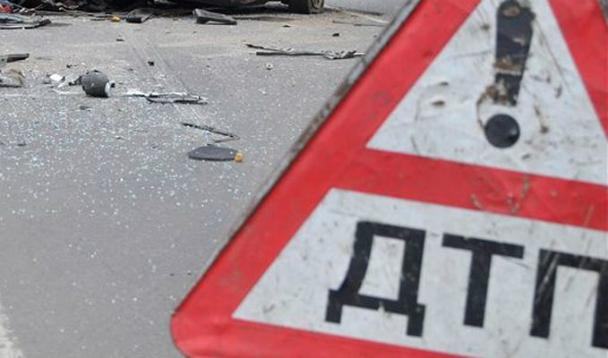 Вмассовом ДТП вДагестане три человека погибли, восемь пострадали