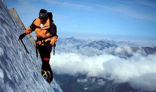 НаЭльбрусе погибла альпинистка изБельгии