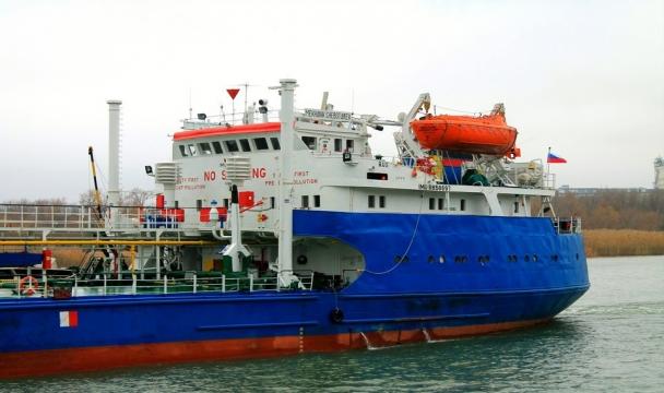 ВАстрахань прибыли моряки с схваченного вЛивии танкера «Механик Чеботарёв»